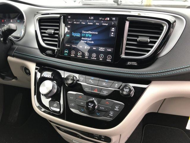 2018 Chrysler Pacifica Hybrid Hybrid Limited Louisville Ky